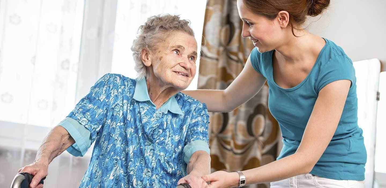 aide au coucher personne âgée