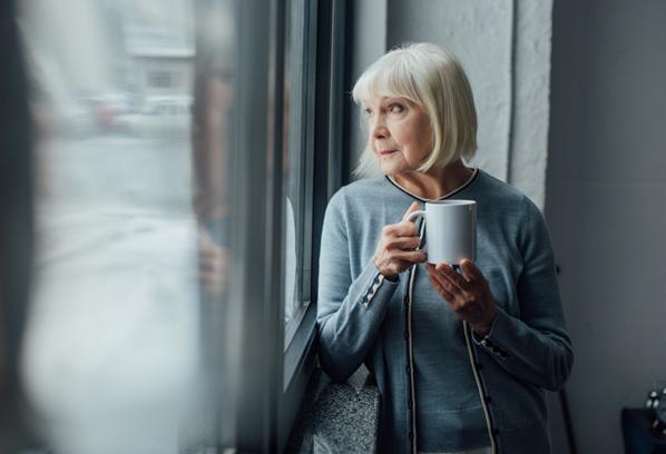 isolement social personne âgée