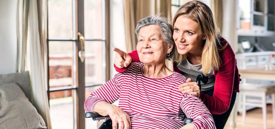 proche aidant avec personne âgée