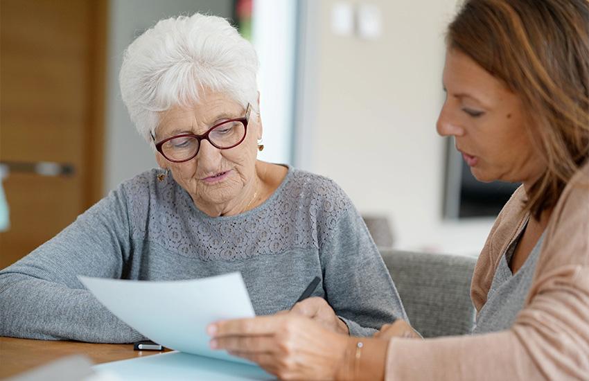 personne âgée aides à l'autonomie