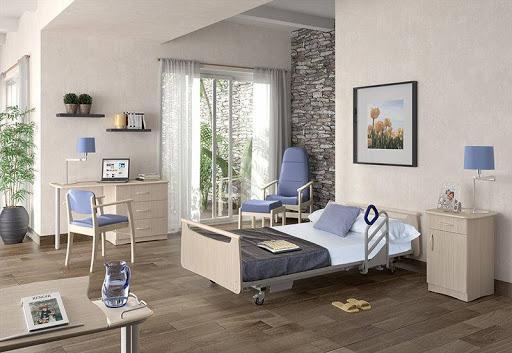 aménagement chambre personne âgée